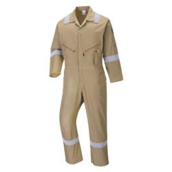 Matkalaukussa useita taskuja - Matkakassi